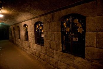 巨峰ワイン地下貯蔵庫2